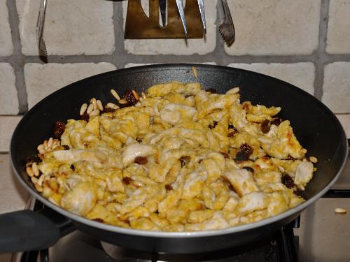 Petto di pollo al Limone con Uvetta e Pinoli