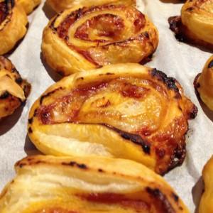 antipasti con la pasta sfoglia-pomodoro
