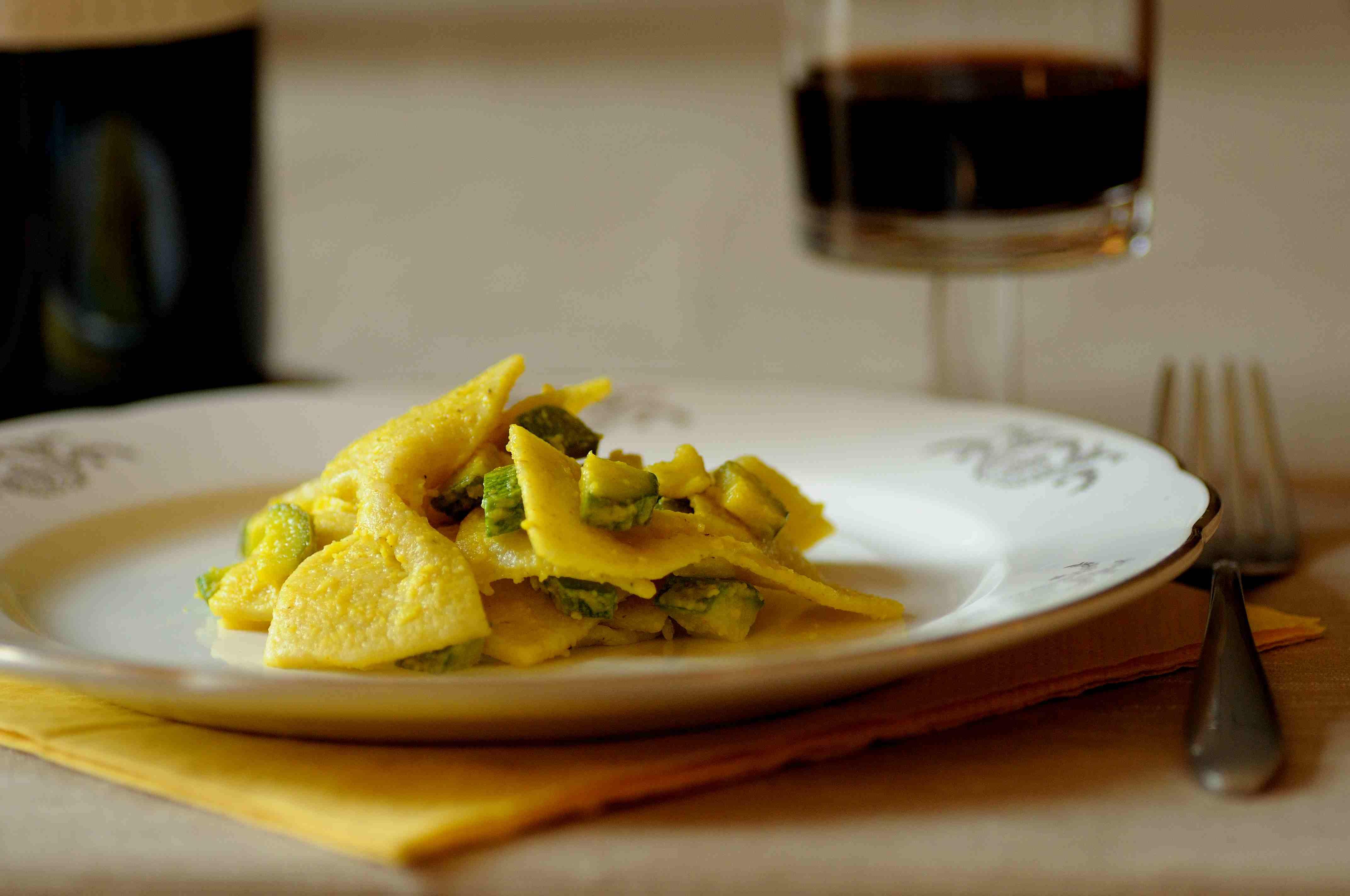 pasta fresca zucchine e crema di pecorino